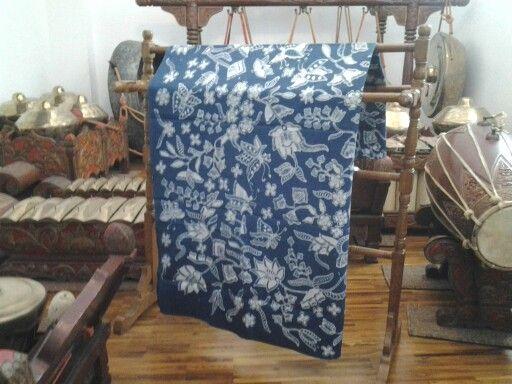 Harsrini Batik, Handwritten batik using Natural Dyes Pattern name ...