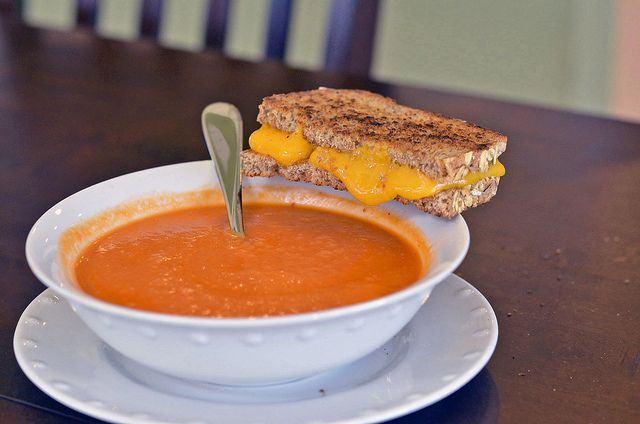Roasted garlic and tomato soup | Recipes | Pinterest