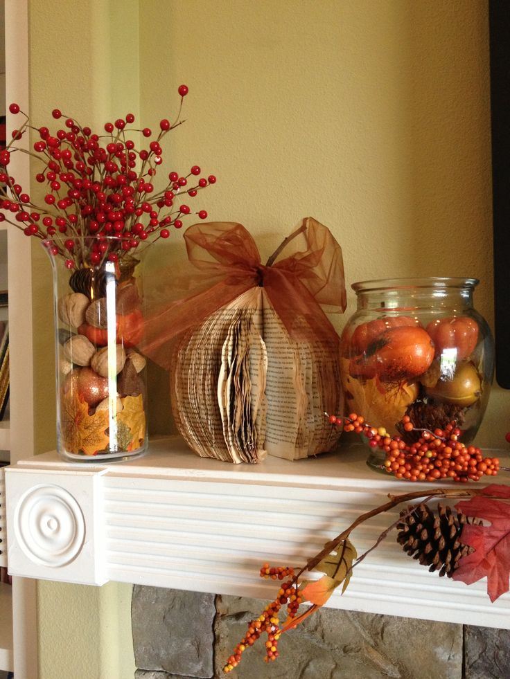 My fall mantle entry table decorations