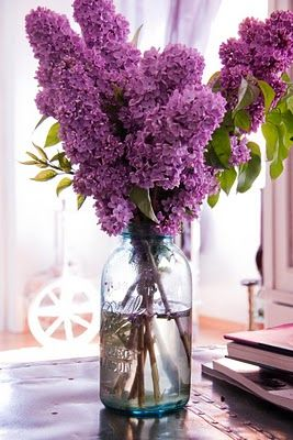 I love the idea of using a mason jar for a vase.