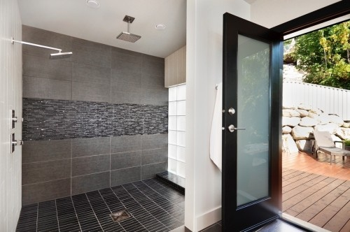 Baños Modernos Decorados Con Mallas:Tile Walk-In Shower