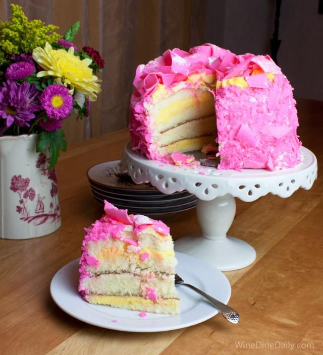 Pink Champagne Cake Images : Madonna Inn Pink Champagne Cake