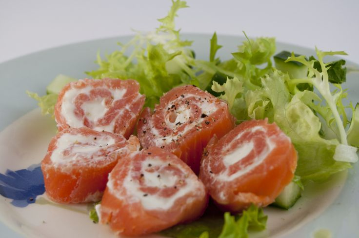 Smoked Salmon Rolls | Apps and dips | Pinterest
