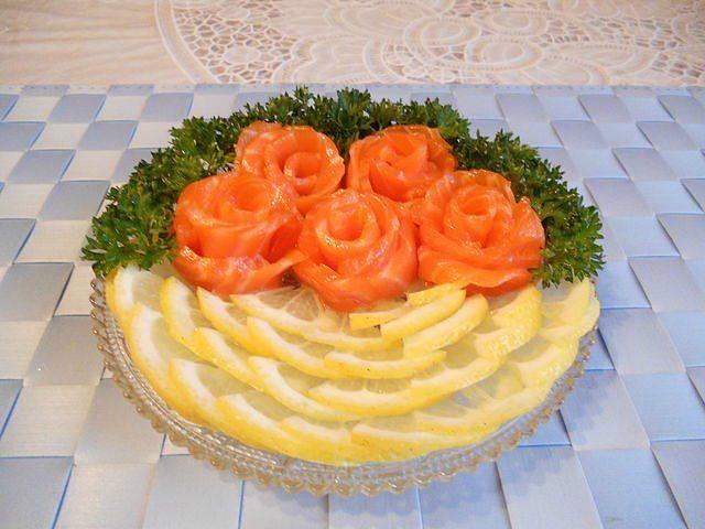 Украсим красиво салаты на праздничный стол