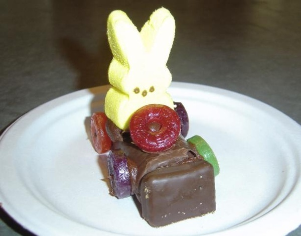 Everyone, I just got some amazing brand name purses,shoes,jewellery and a nice dress from here for CHEAP! If you buy, enter code:atPinterest to save http://www.superspringsales.com -   Easter Bunny Race Cars Treat!