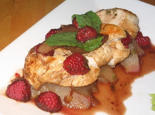 Low Fat Chicken Medallions With Cinnamon Raspberry Pear Sauce | Recipe