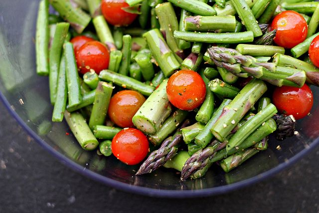Pesto Pasta Salad with Roasted Aparagus, String Beans, Cherry Tomatoes ...