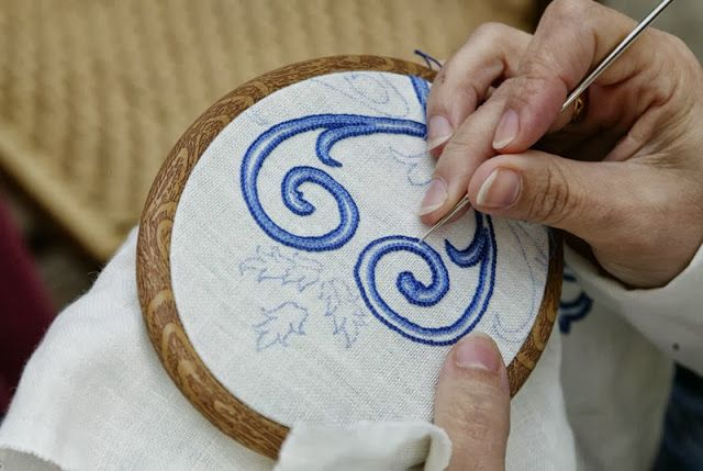 ... stitch outline using a crochet hook Embroidery 3 cross stitch