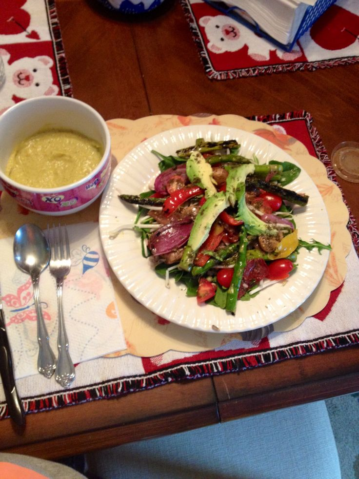 Broccoli soup w sundried tomatoes and asparagus mushroom salad w ...