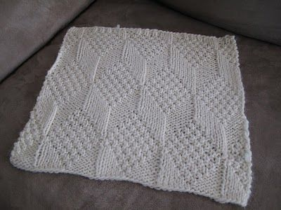 Libby Grant Knits: Blanket Square #4: Moss Diamond and Lozenge Pattern