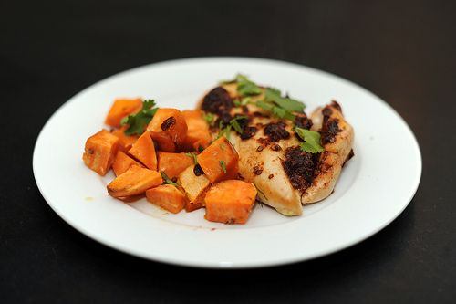 Spiced chipotle honey chicken breasts with sweet potatoes - Very easy ...