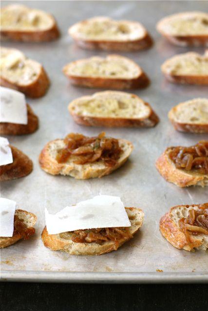 Crostini with Balsamic Caramelized Onions, Melted Cheese & Sage Recipe ...