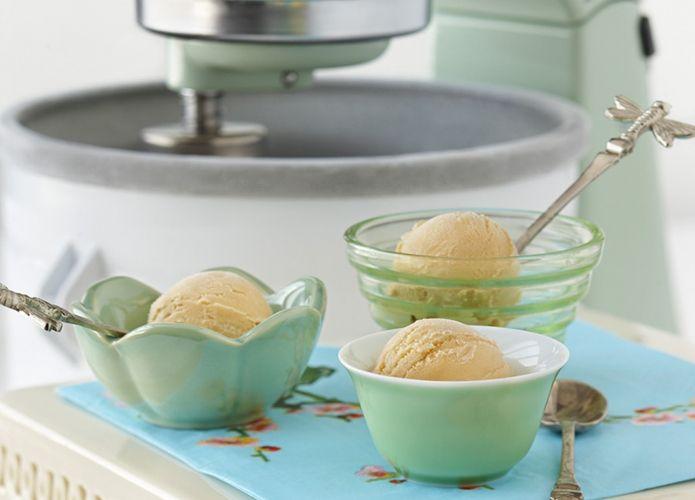 Green Tea & Jasmine Petal Ice Cream | Yummy | Pinterest