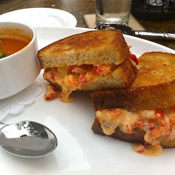 Lobster grilled cheese sandwich. | Fashion & More | Pinterest