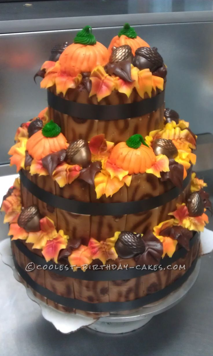 Fall time display cake for Fall cake ideas