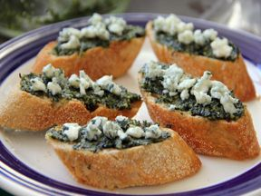 Fig Blue Cheese Tartines Recipe - Momtastic