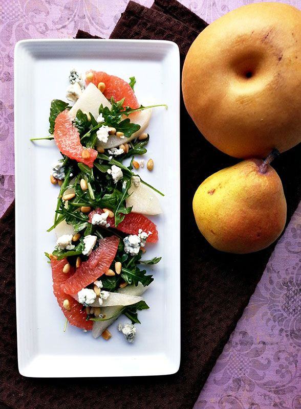 pear and arugula salad with grapefruit, pine nuts and blue cheese ...