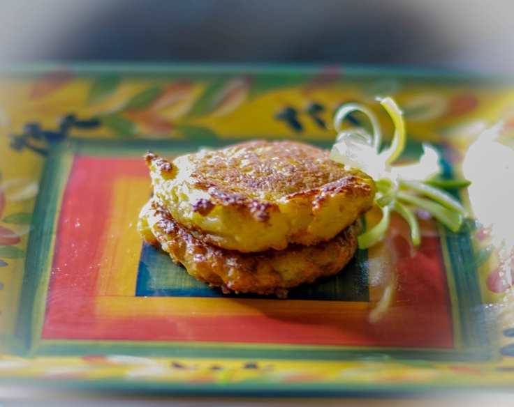 Carrie's Experimental Kitchen: Cauliflower & Cheese Fritters