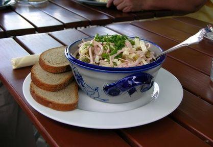 Wurstsalat, Bayrischer Wurstsalat | food | Pinterest