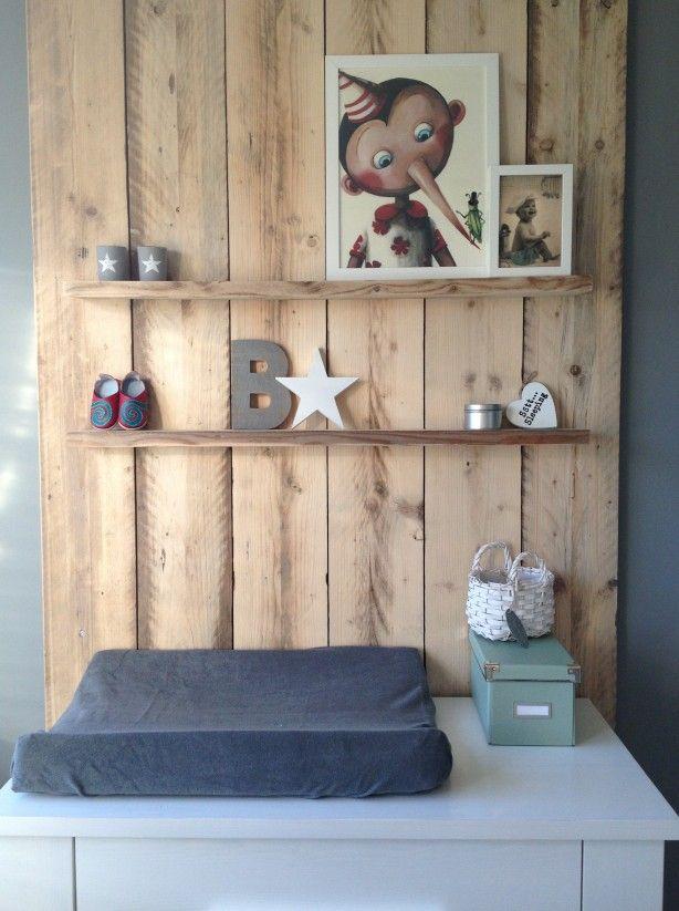 ... Met Schuine Wand Inrichten : Houten wand slaapkamer spscents