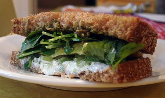 ... like this: goat cheese sandwiches , goat cheese and walnut pesto