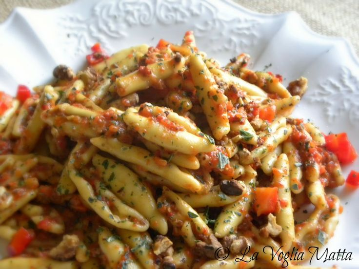 Pasta with Red Pepper Pesto and Walnuts | Pasta! | Pinterest