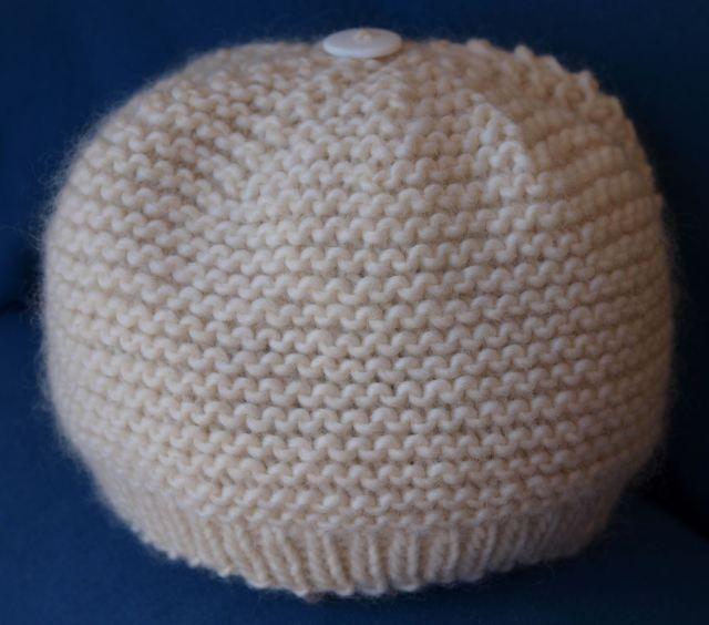 tutorial baby garter stitch hat baby knit or crochet hat Pinterest