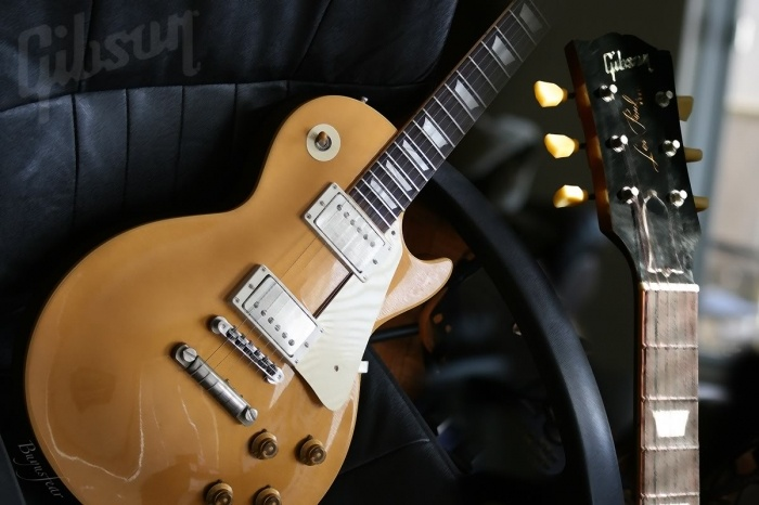 Gibson blur | Bands and Solo Artists | Pinterest Buddy Holly Electric Guitar