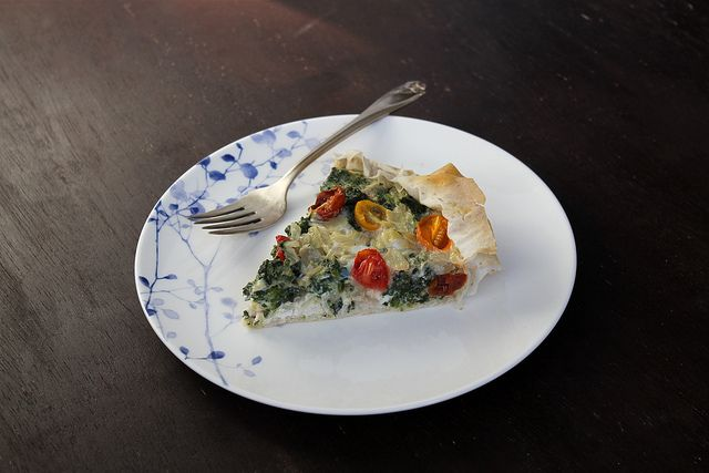 Spinach and Tomato Quiche - vegetarian & dairy free, or not