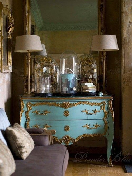 french blogs - Bing Images   Smoky purple, blue and gold create a beautiful palette in this French inspired living room