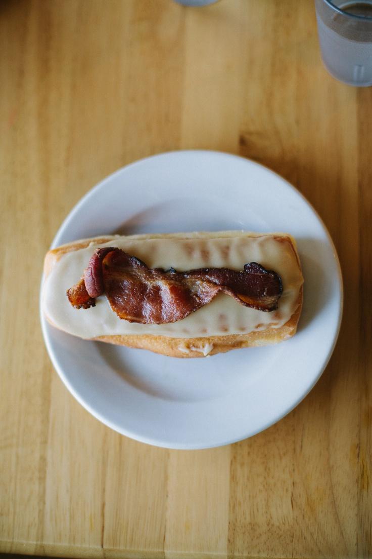 maple bacon long john. | yum. | Pinterest