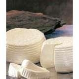 12 - La manipulación diaria de la leche evidencio su fragilidad para la conservación y la respuesta a este problema fueron los quesos.