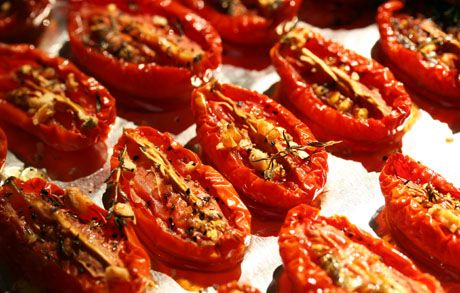 slow-roasted tomatoes with goat cheese and basil (bruschetta) via # ...