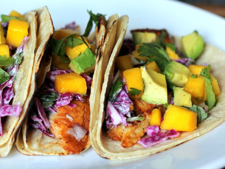 Grilled Chili-Lime Fish Tacos with Sour Cream Cabbage Slaw + Mango ...