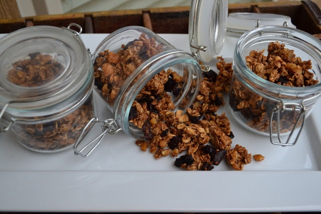 Cookin Cowgirl: Apple Pie Granola with Dried Cherries and Walnuts