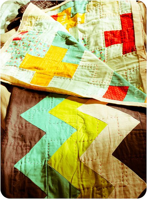 love this combination of quilts
