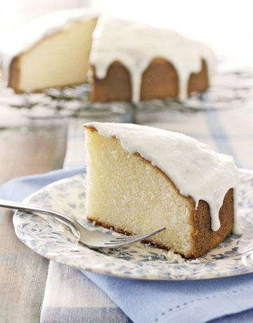 Basic Vanilla Cake This moist single-layer vanilla cake has a delicate ...