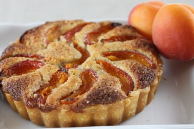 Apricot Frangipane Tart 1 | recipes | Pinterest