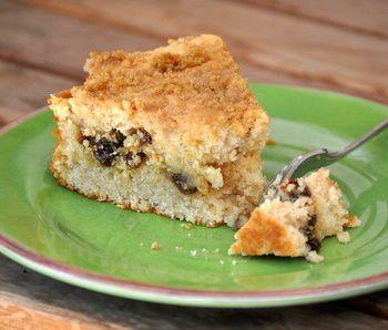 Oatmeal Raisin Cookie Coffee Cake | delishh ! | Pinterest