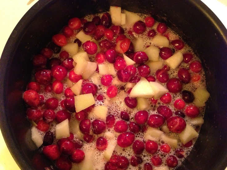 Cranberry pear sauce in the making | Delicious! | Pinterest