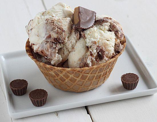 Fat Elvis Ice Cream // Banana ice cream with swirls of fudge & peanut ...