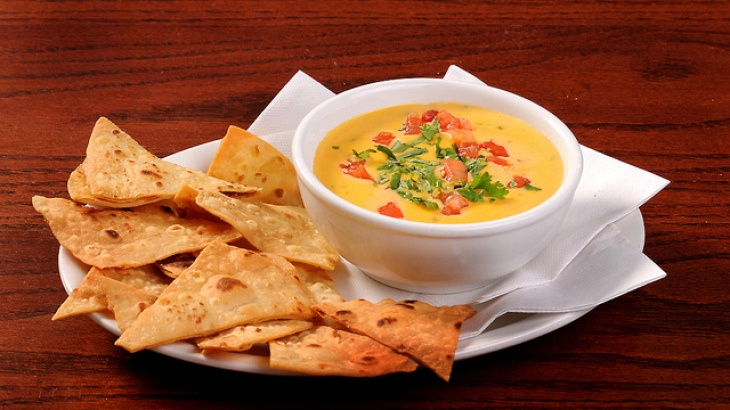 Texas Best Cheese Dip (Chile Con Queso) | yum | Pinterest