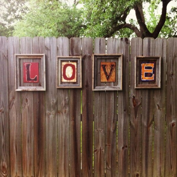 Love my new fence decor janahboo for the home pinterest for Outdoor garden fence decoration