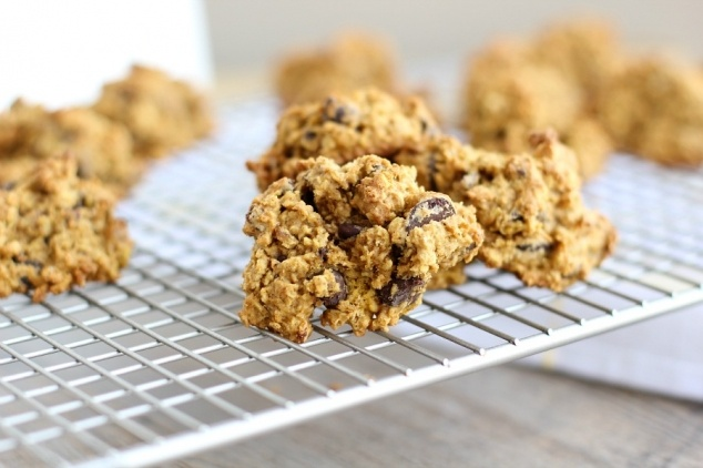 Pumpkin oatmeal cookies- I'm going to use rolled oats instead of quick ...