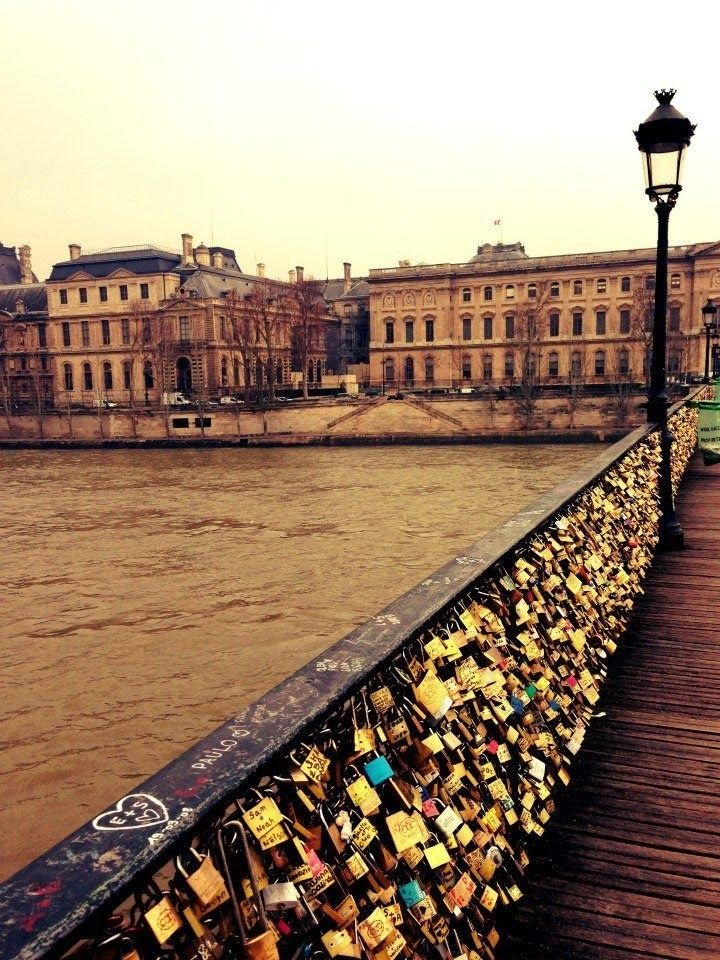 Pin by allison leigh on fran ais pinterest for Locks on the bridge in paris