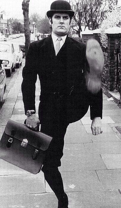 Monty python s ministry of silly walks i like to watch pinter