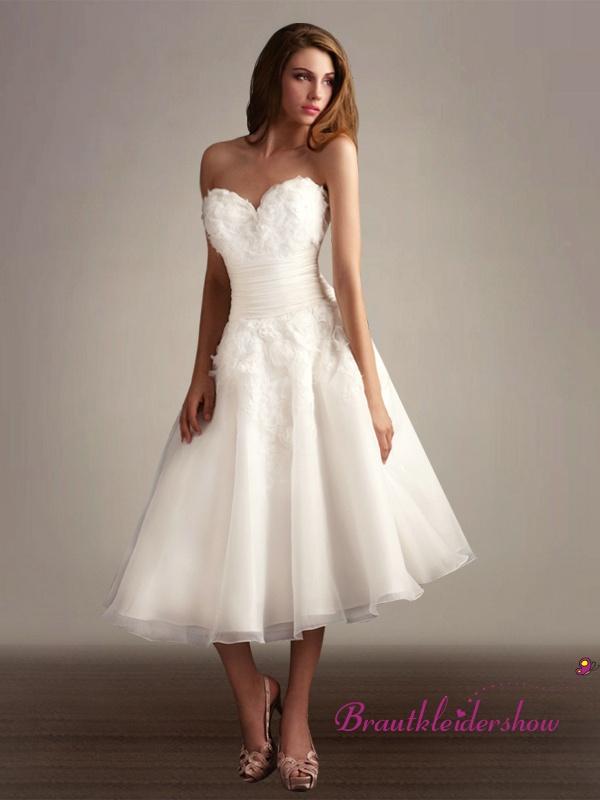 Wadenlang Hochzeitskleid Herzform Ausschnitt Blumen bestetzt GWRW132 ...