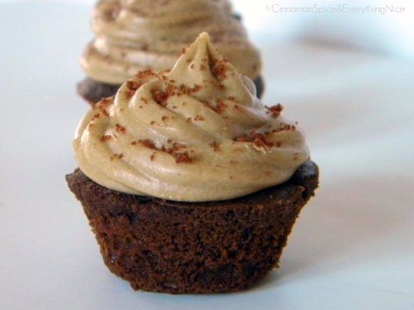 Chocolate Caramel Cupcakes with a Tutorial on How to Fill Cupcakes ...