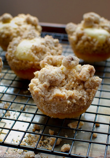 ... Drakes Mini Coffee Cakes! | Afternoon Tea & Crumb Cakes | Pi