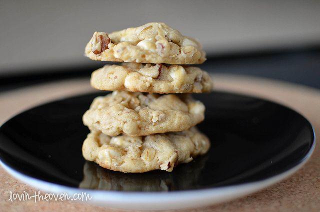 White Chocolate Chip Oatmeal Cookies | Recipe